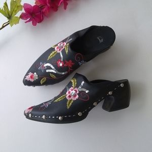 Black Leather Embroidered Pointed Toe Wooden Clogs